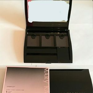 Mary Kay Compact Pro (New in the Box)